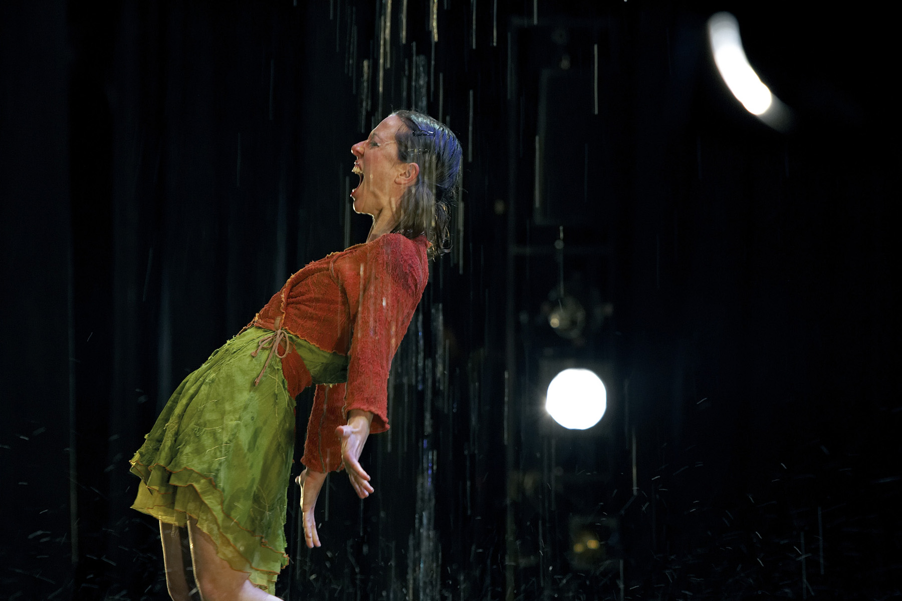 "11.Photo du spectacle - ""Plic Ploc"" Anthony Voisin, Cirque Plume 2004"