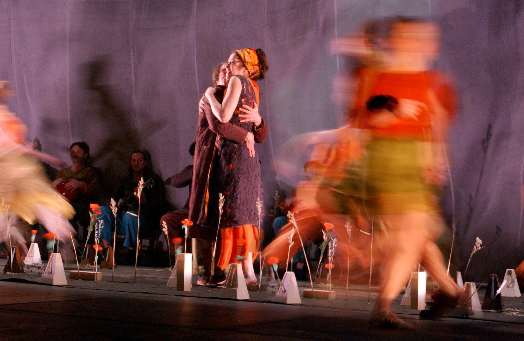 "02.Photo du spectacle - ""Plic Ploc"" Jacques Peeters, Cirque Plume 2004"