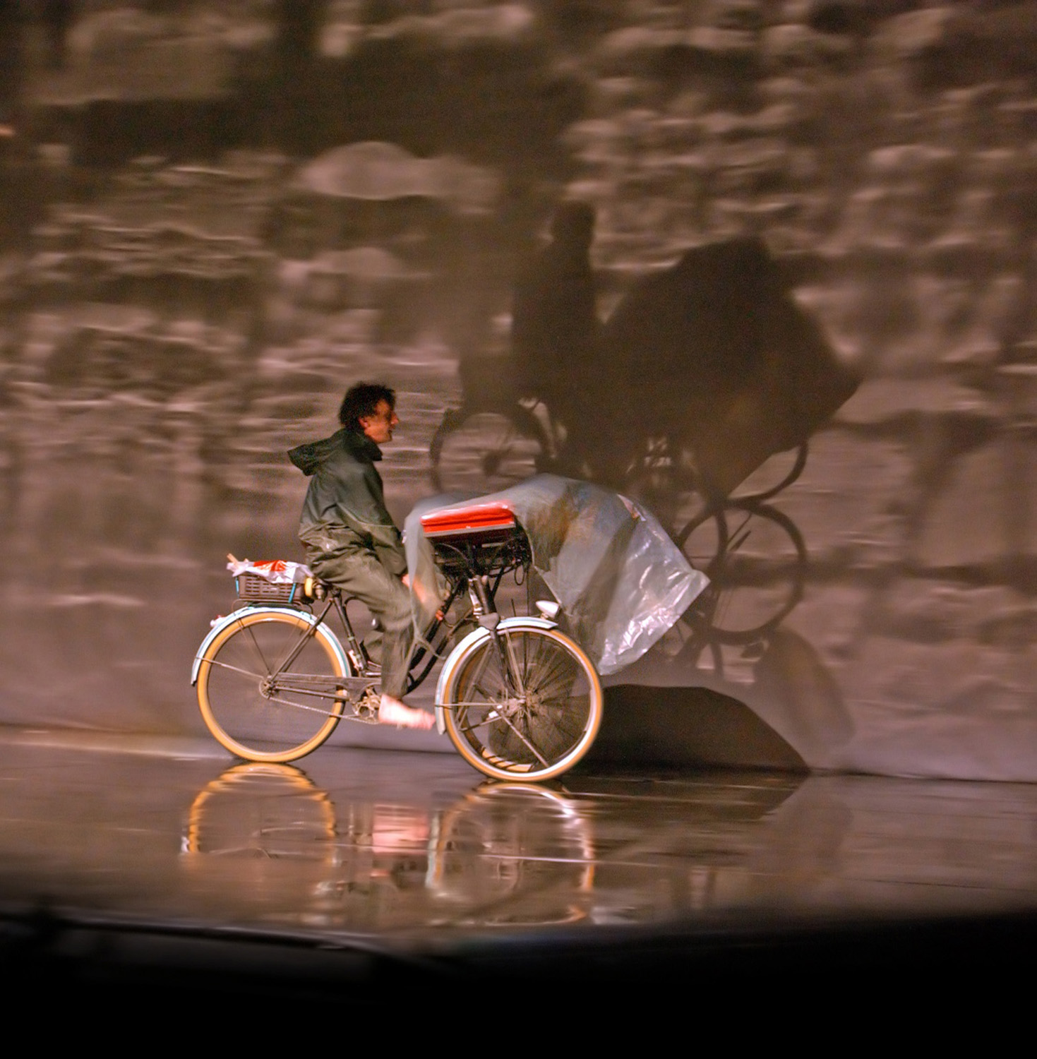 "13.Photo du spectacle - ""Plic Ploc"" Jacques Peeters, Cirque Plume 2004"