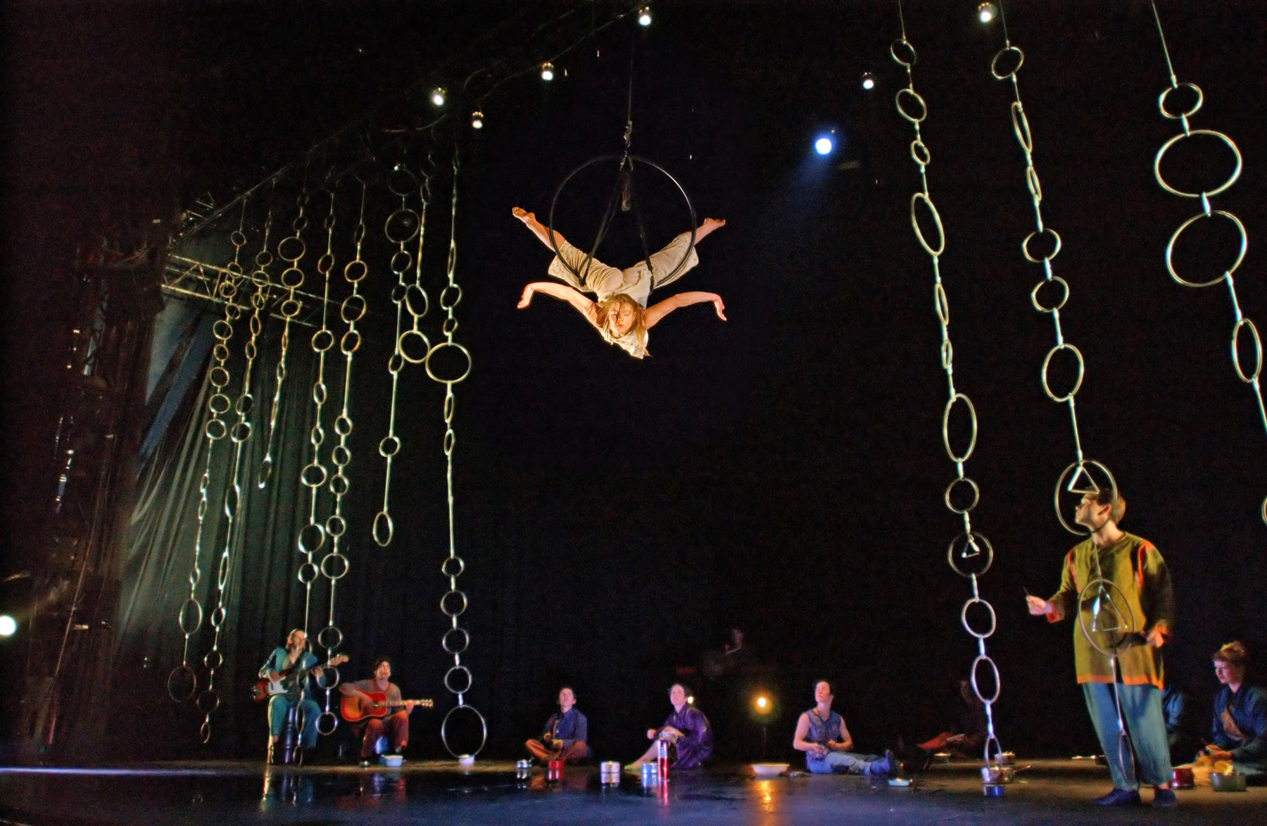 "07.Photo du spectacle - ""Plic Ploc"" Jacques Peeters, Cirque Plume 2004"