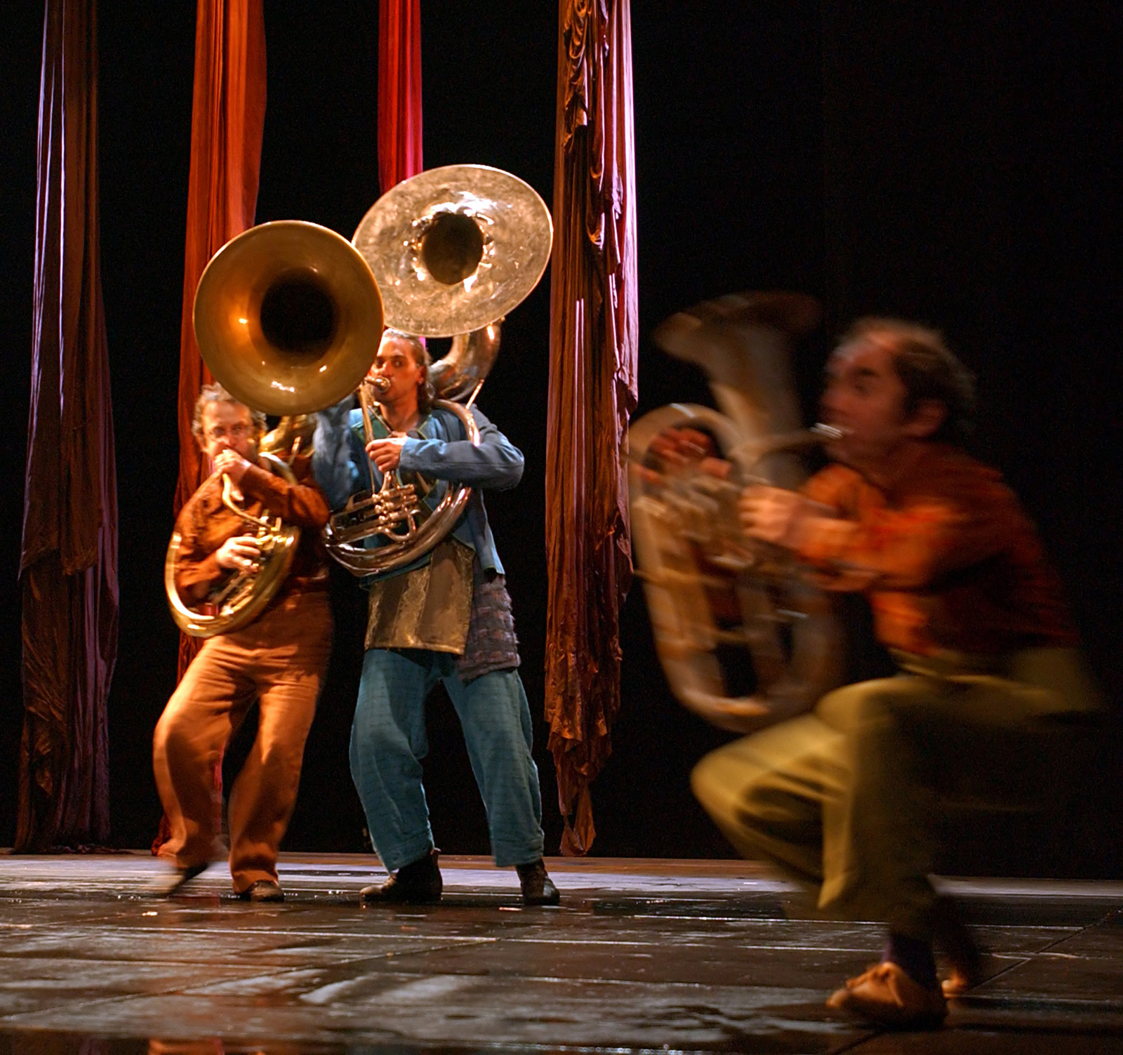 "17.Photo du spectacle - ""Plic Ploc"" Jacques Peeters, Cirque Plume 2004"